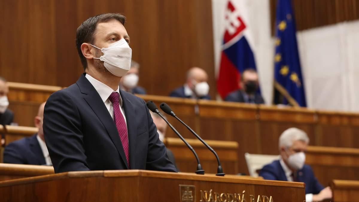 Парламент Словакии утвердил новое правительство Эдуарда Хегера