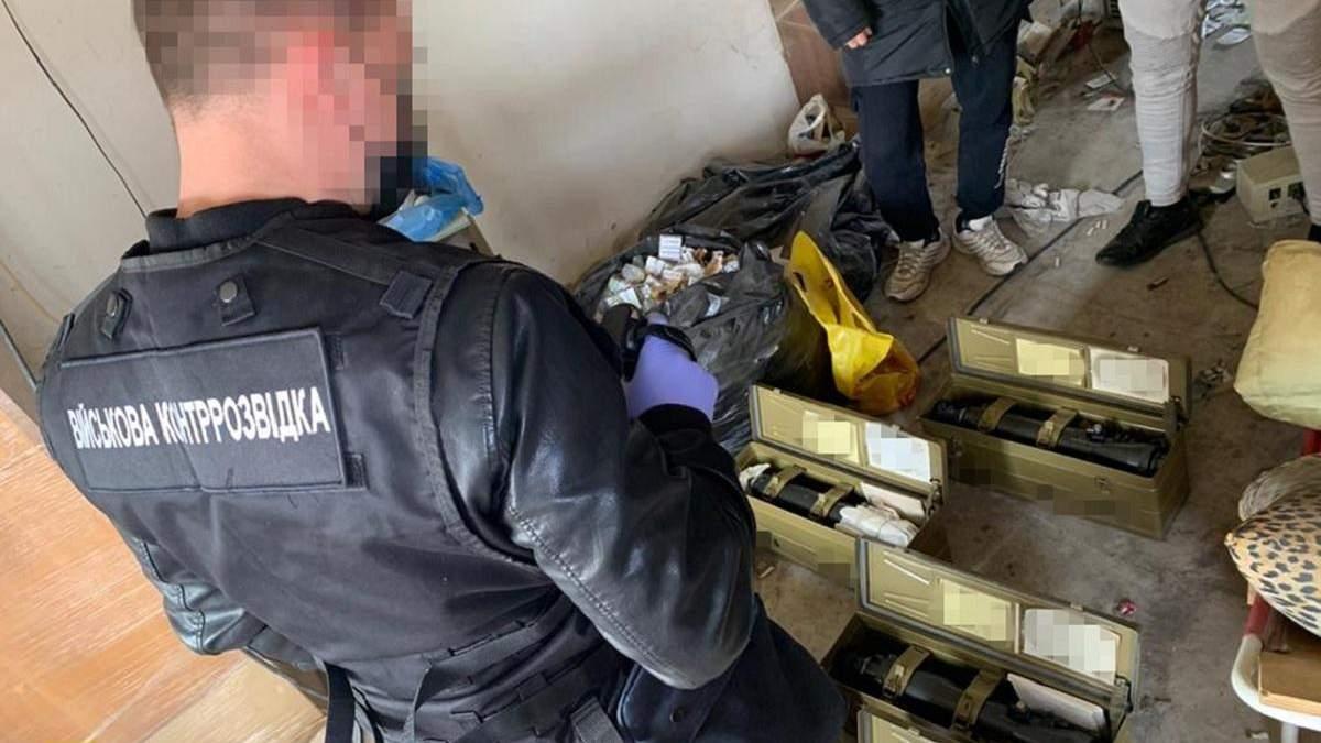 Экс-чиновник воровал оптические прицелы, - разведка СБУ