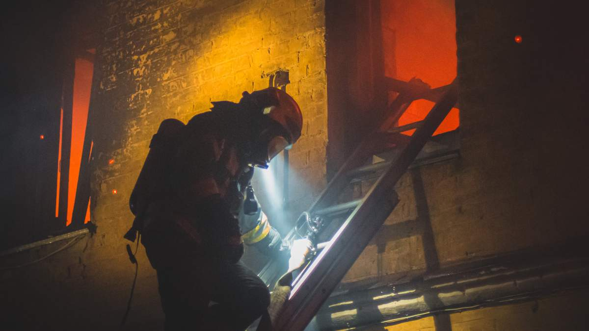 У пожежі на Китаївській вулиці в Києві загинули 2 людини