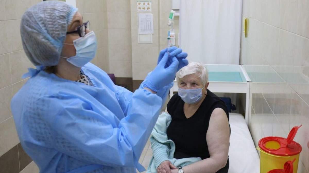 Праздновали Пасху: на Львовщине постепенно восстанавливают вакцинацию от коронавируса