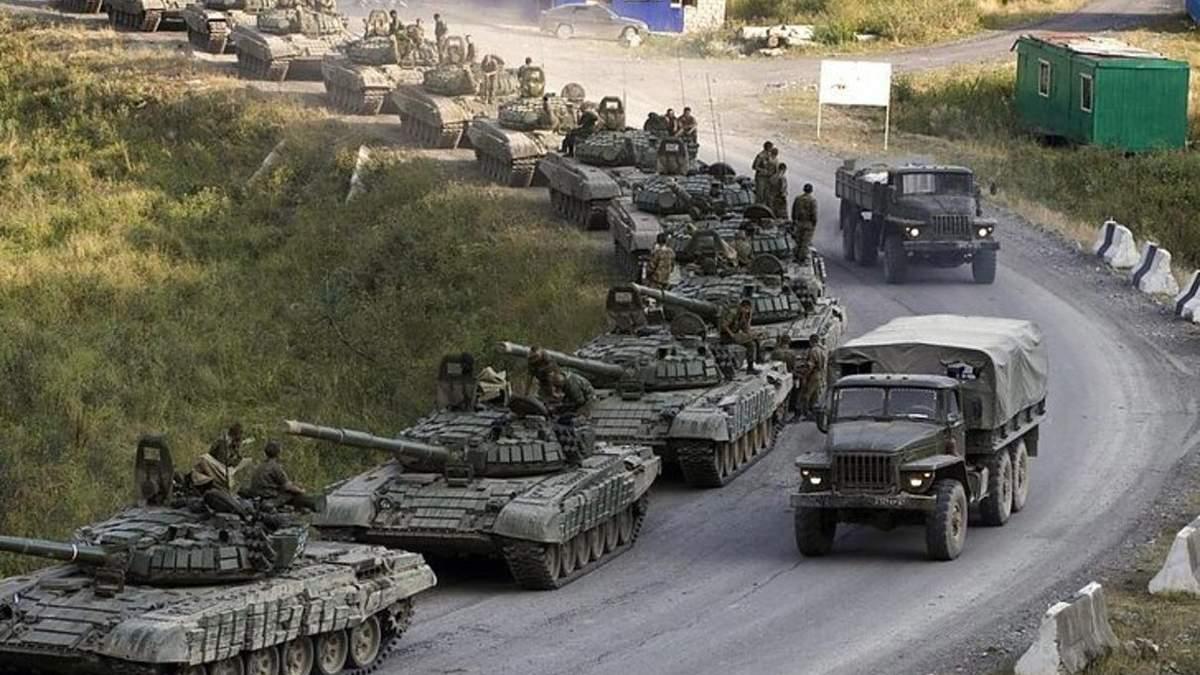 80 тысяч военных из России остаются на границе Украины, - NYT