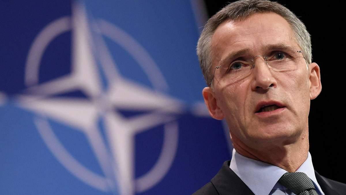 Генсек НАТО: військ Росії зараз більше, ніж під час першої ескалації