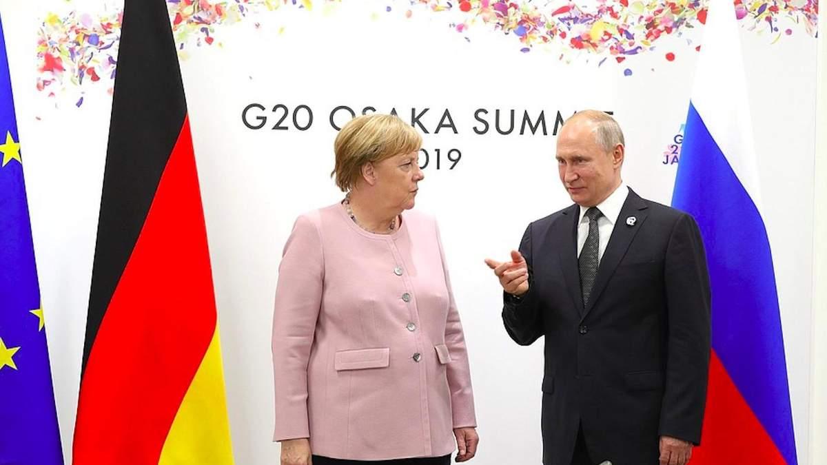 Для чего Германия подыгрывает России