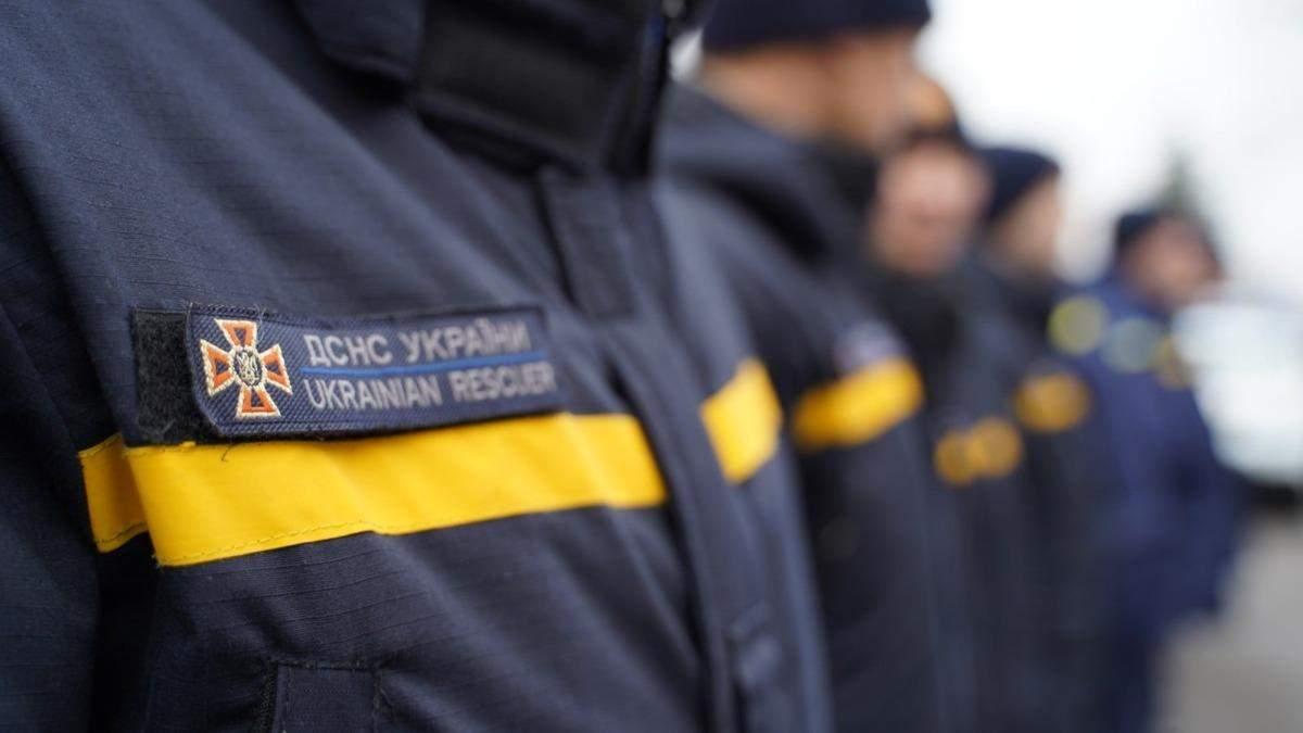 Не розкрився парашут: на Чернігівщині розбився рятувальник