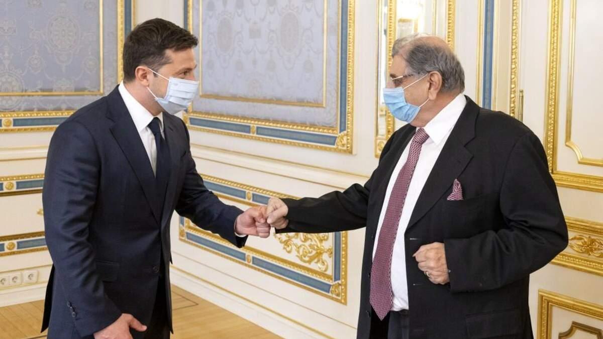 Зеленский пообещал Индии предоставить гуманитарную помощь из-за COVID