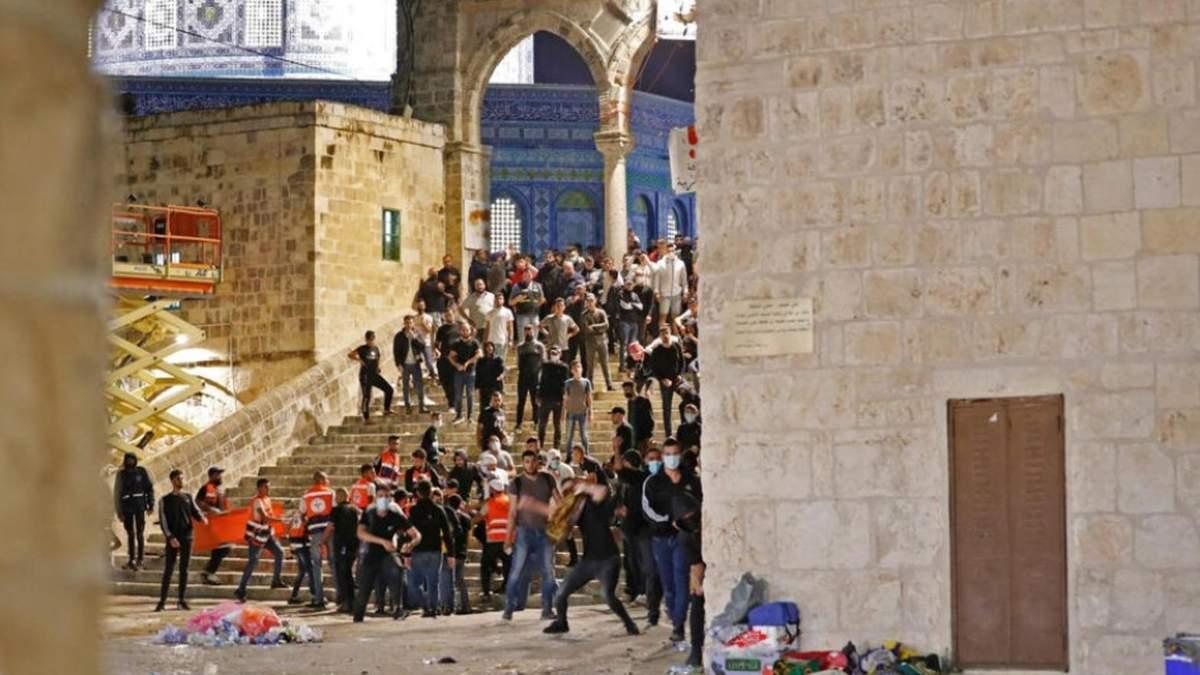 Рамадан в Иерусалиме завершился столкновениями: почти 150 раненых
