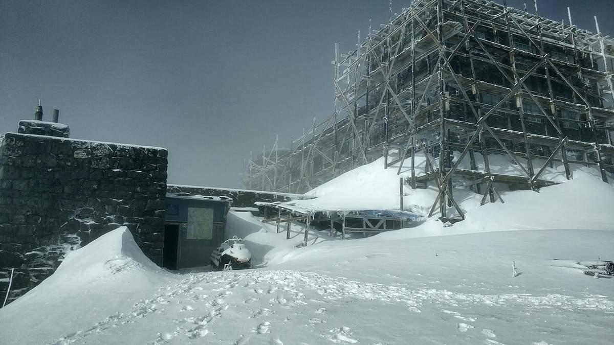 У Карпатах випало 20 сантиметрів снігу та температура -3 градуси