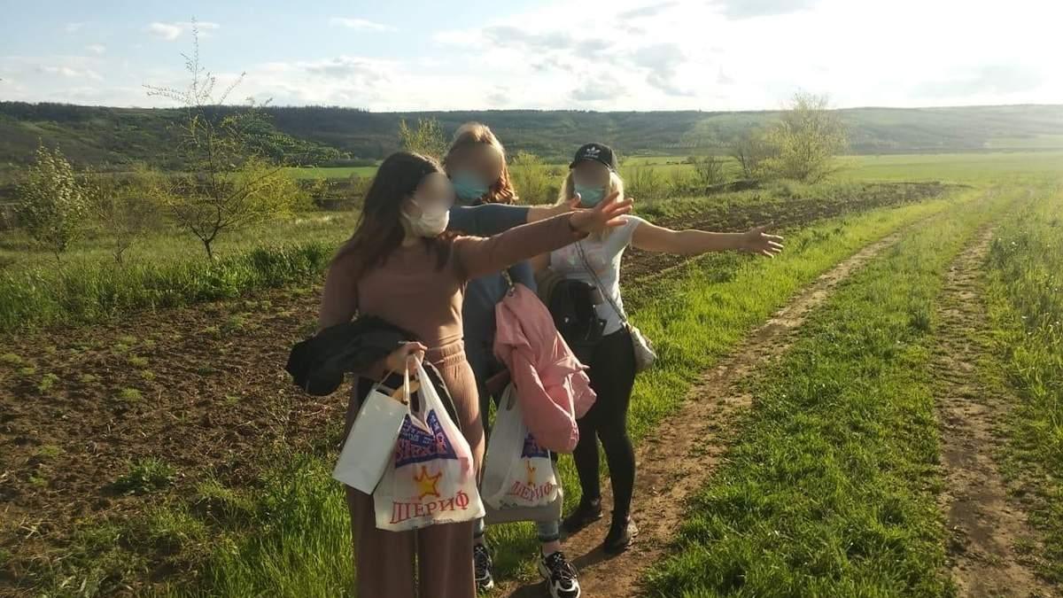 Молдаванки и россиянка незаконно пересекли границу Украины