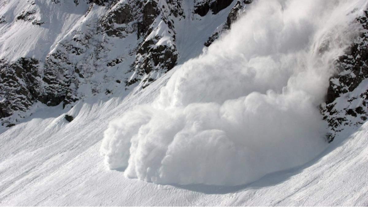 В Альпах сошла мощная лавина: среди туристов есть погибшие