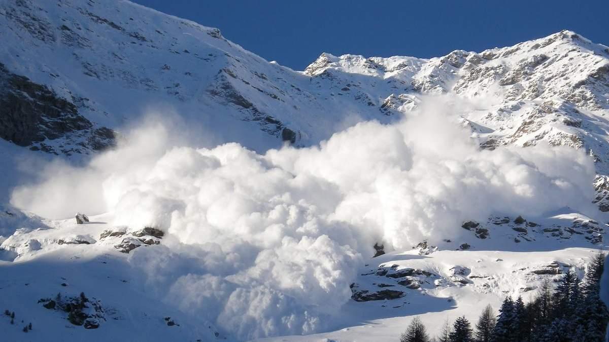 Сходження лавин в Альпах: кількість жертв трагедії зросла до 7