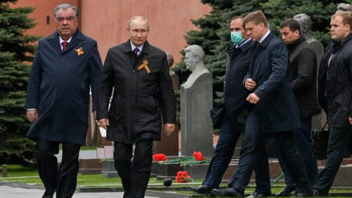 На парад к Путину приехал только президент Таджикистана