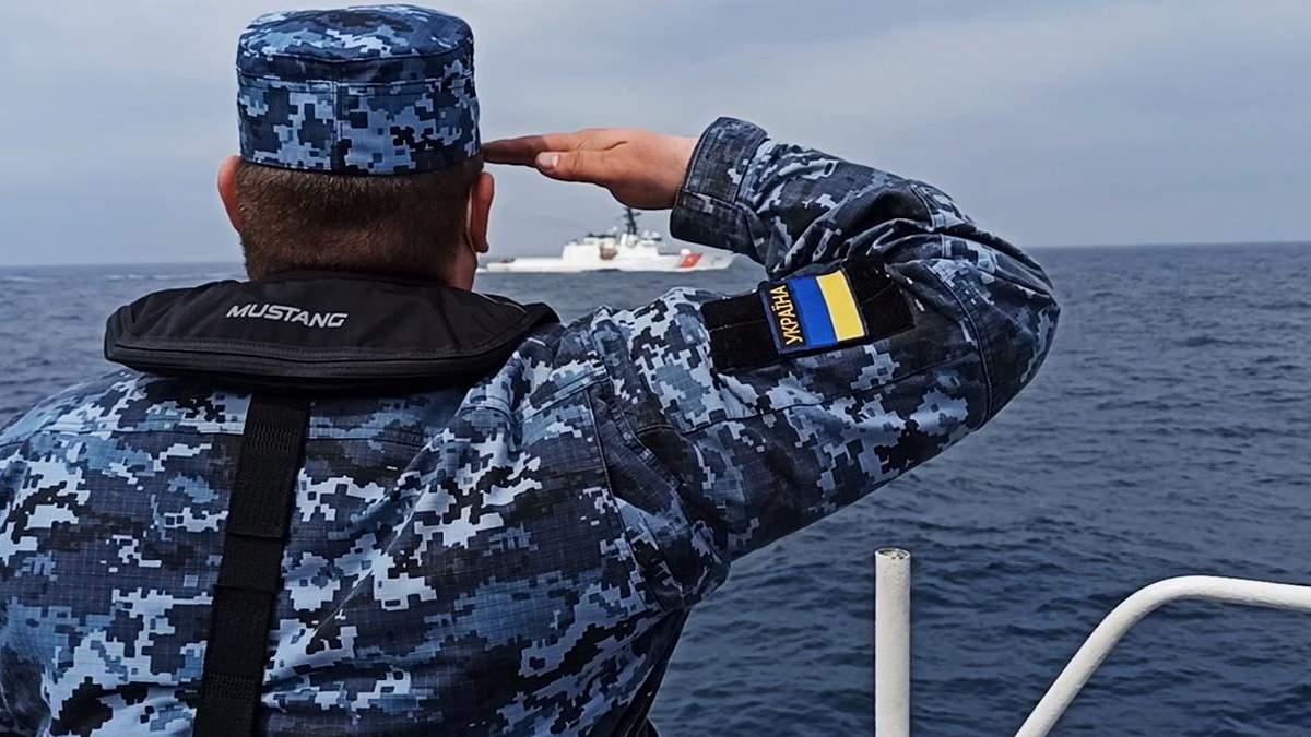 Прикордонники провели навчання з фрегатом морської охорони США – відео