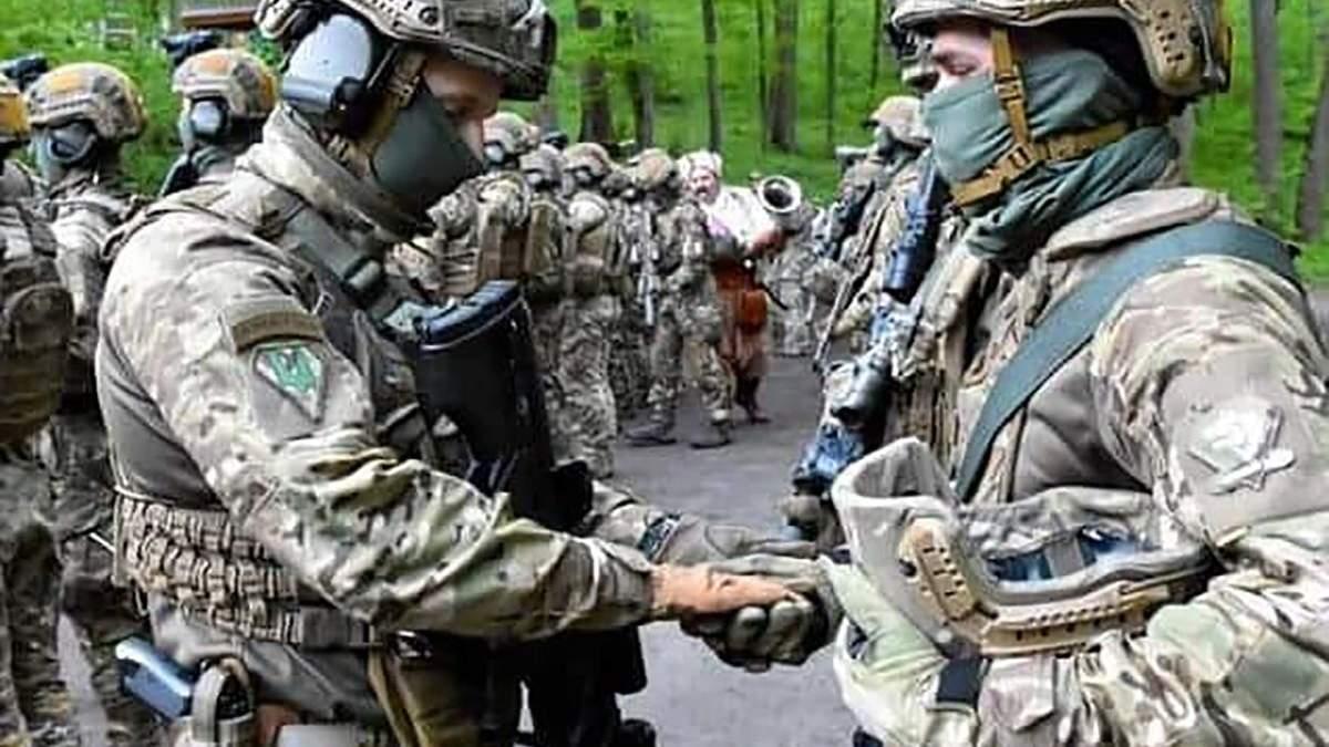 Бійці ССО в Холодному Яру освятили зброю на ворога: фото