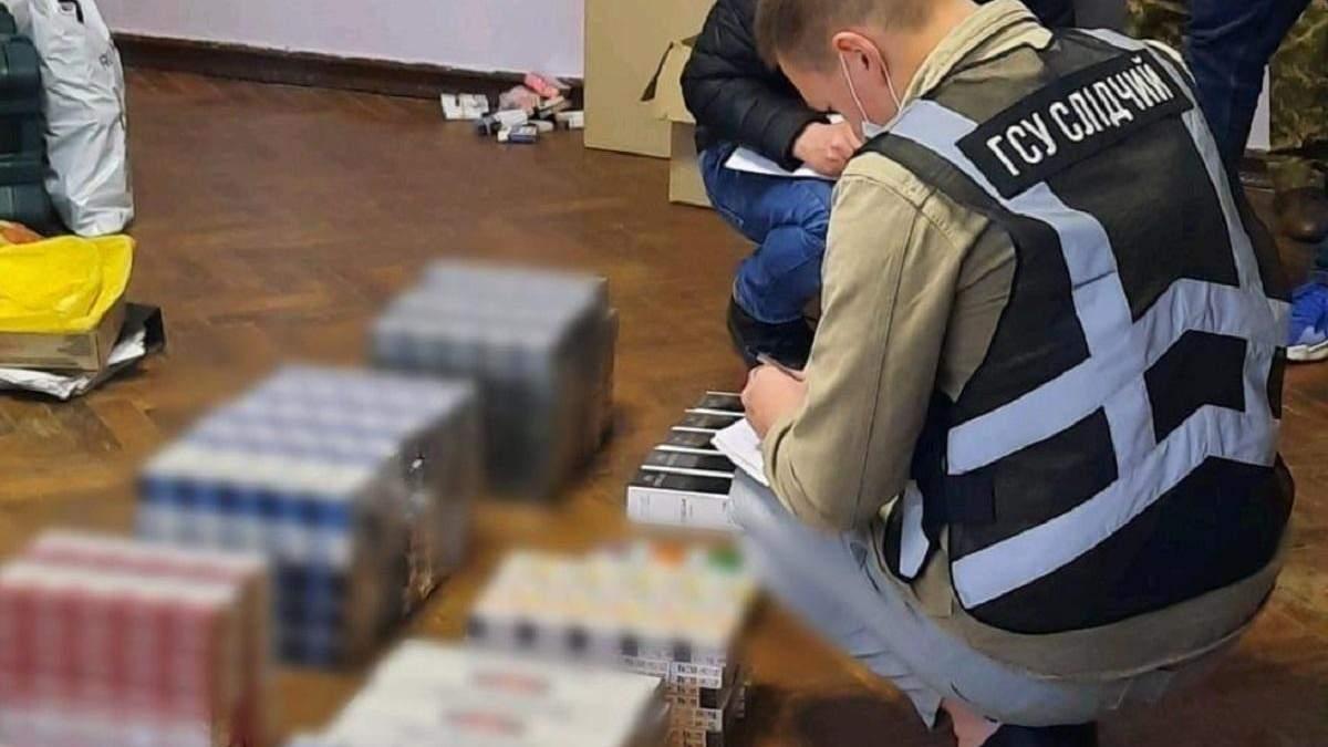 Сигарети та алкоголь з ОРДЛО: поліція перекрила канал контрабанди