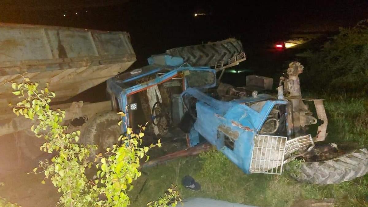 На Буковине трактор перевернулся на 6-летнюю девочку