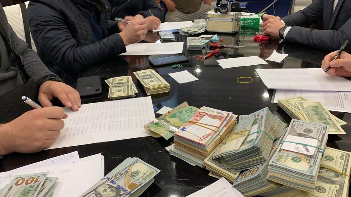 Чиновники КГГА и екснардеп крышевали торговые точки в переходах