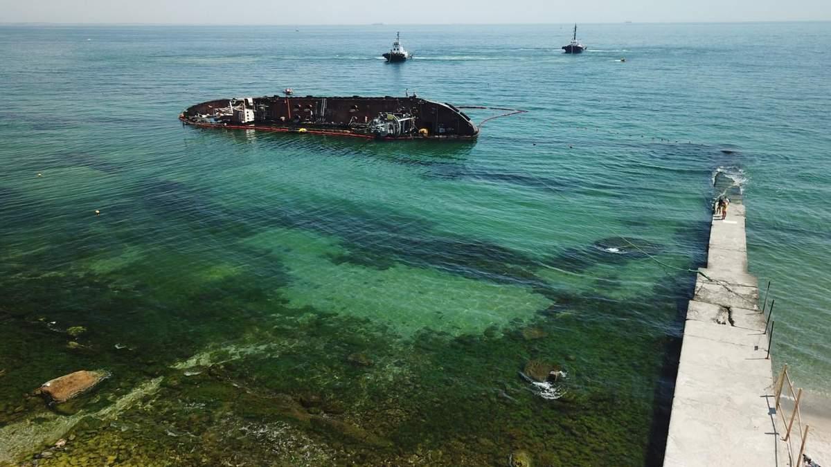Затонувший танкер Delfi передали государству: детали