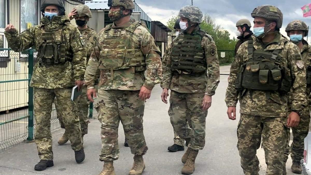 Военные дипломаты США побывали в зоне ООС