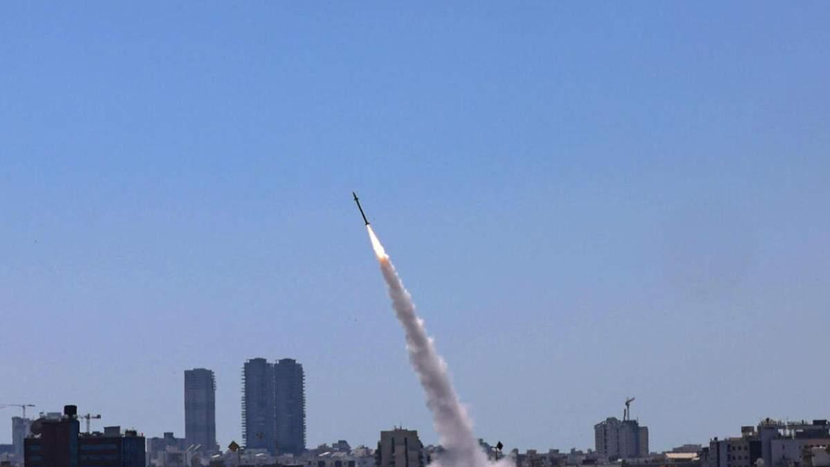 ХАМАС обстріляв Ізраїль сотнею ракет: той знищив 4 квартири бойовиків