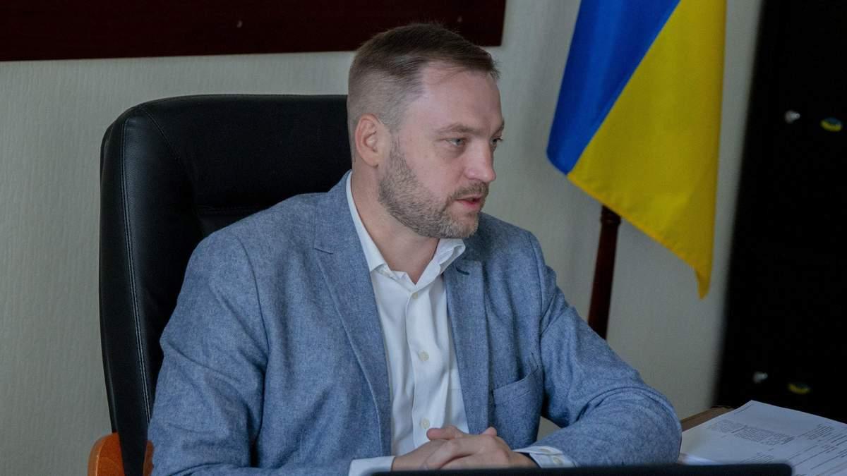 Монастырский прокомментировал подозрение Медведчуку