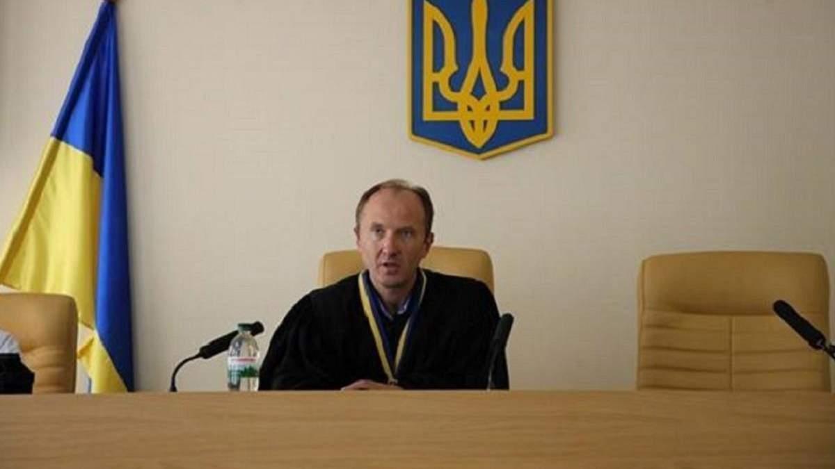 Карабань, який не покарав Настю Константінову, подав у відставку