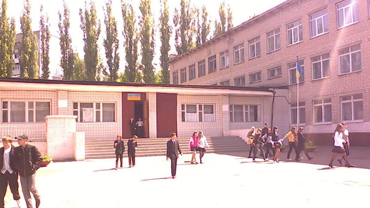 В Одессе возле школы произошла стрельба: владельца оружия задержали