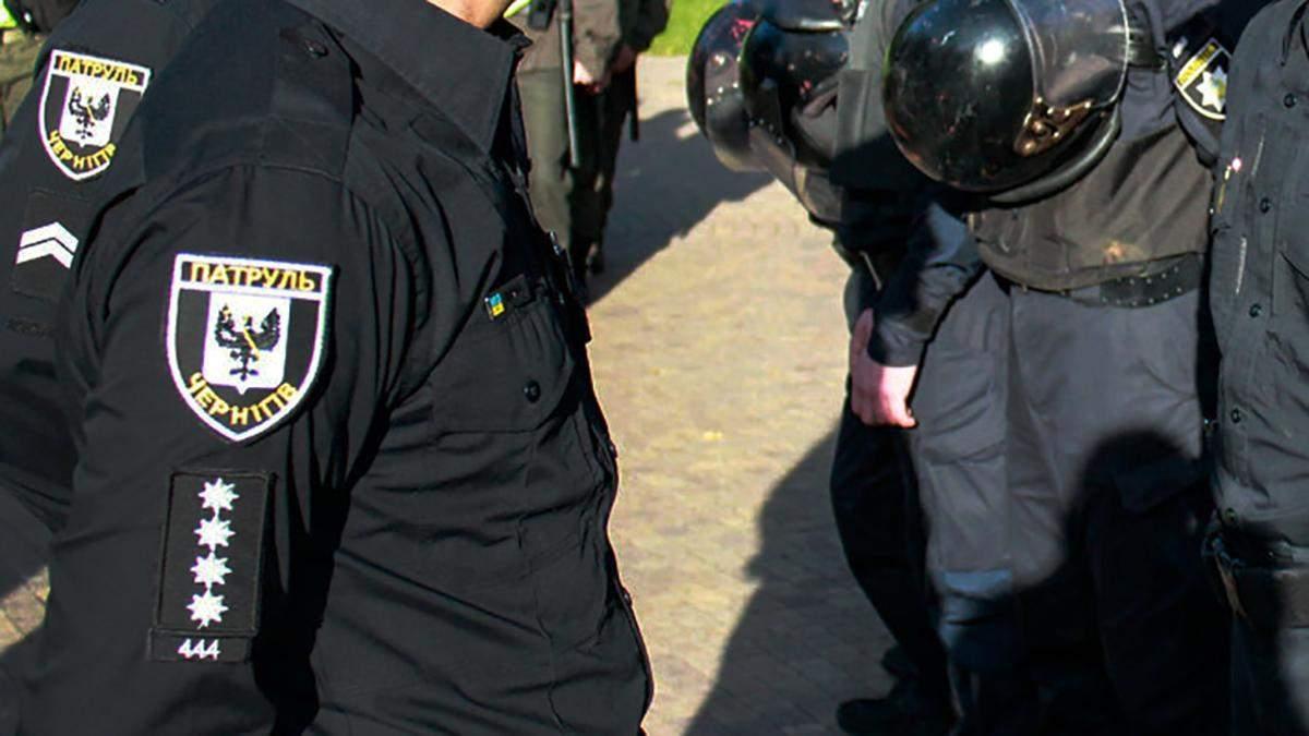 Йшов із ножами в руках: патрульні Чернігова застрелили чоловіка