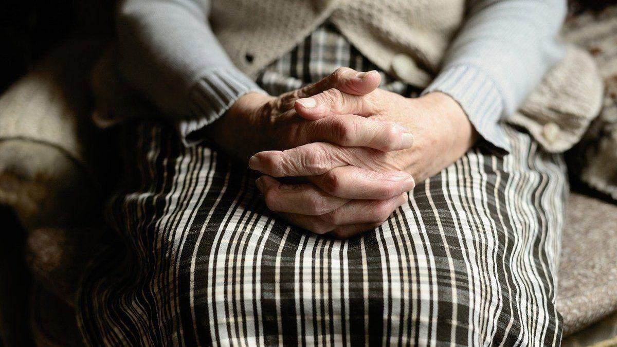 Побил 80-летнюю бабушку: в Днепре осуществили ужасное преступление