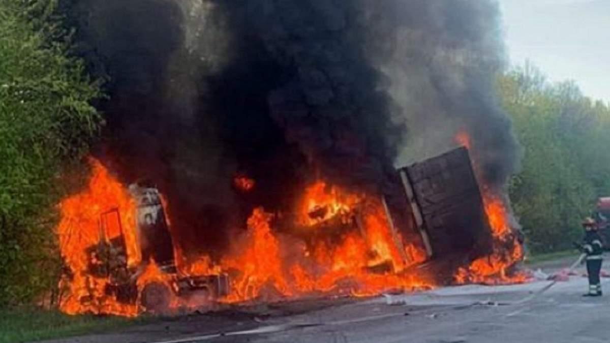 ДТП с 3 авто на Хмельнитчине 15 мая 2021: есть жертвы - фото