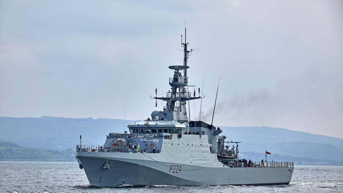 Корабель Великої Британії увійшов в Чорне море: росіяни вже стежать
