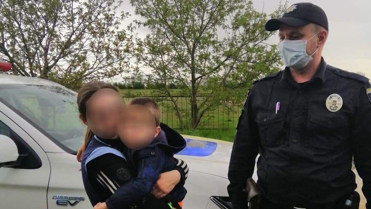 На Николаевщине полиция искала мальчика, который заснул дома в шкафу