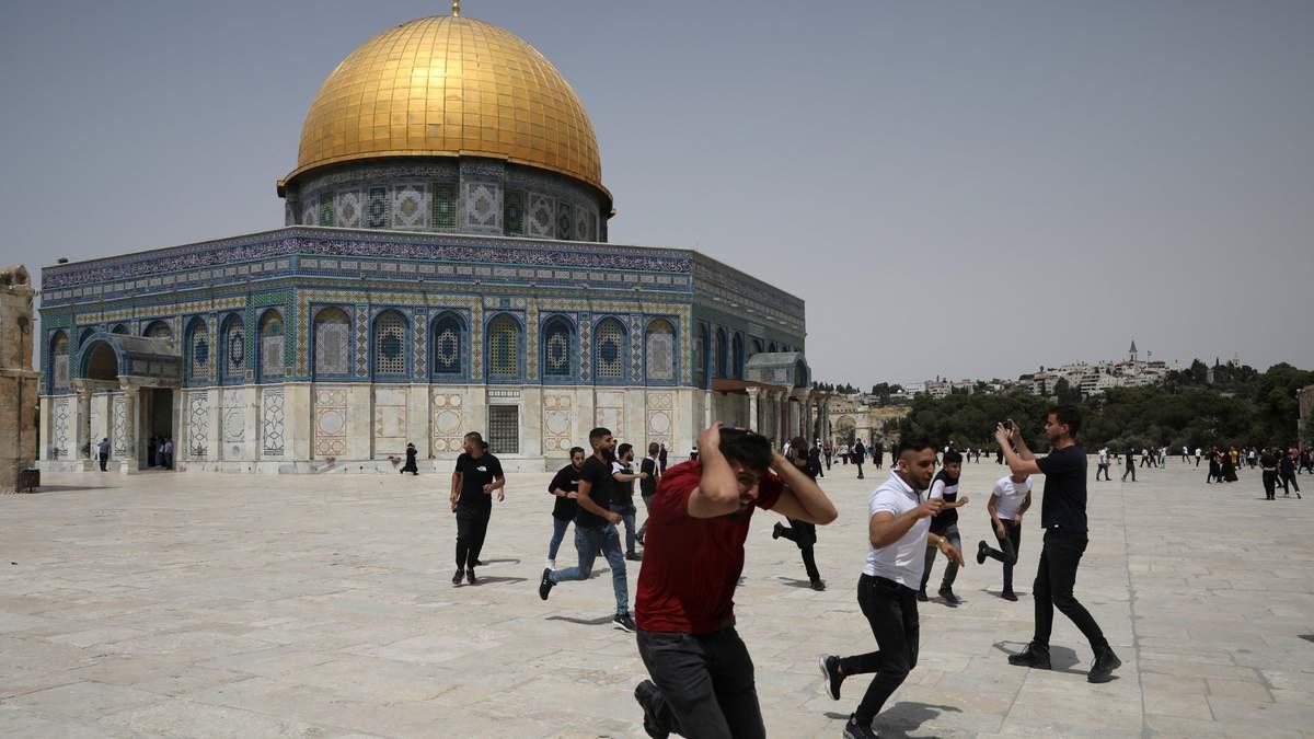 На Храмовій горі відбулись сутички між палестинцями й поліцією Ізраїлю