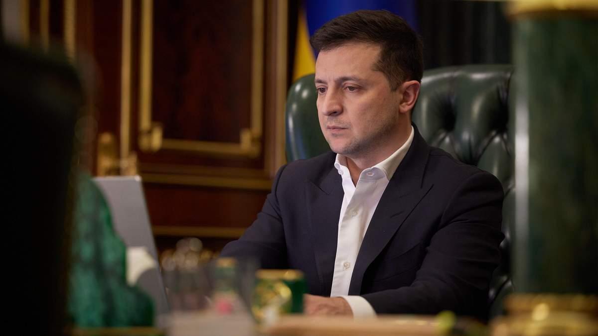 Зеленский ввел санкции против главарей боевиков