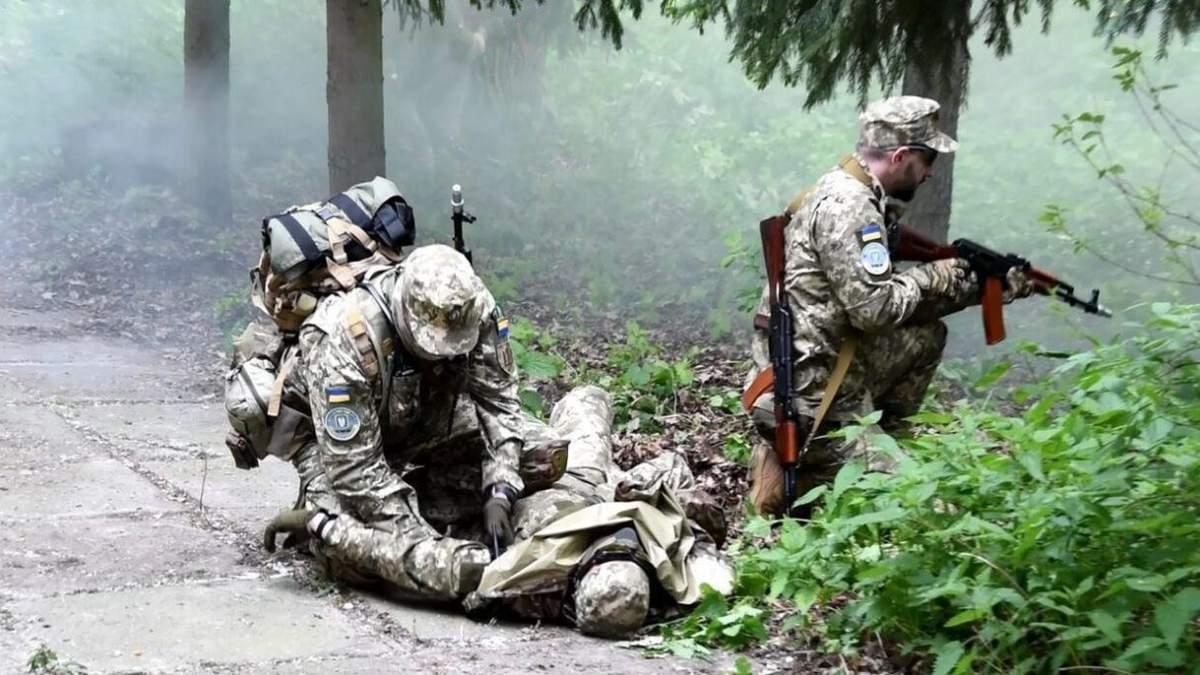 На Донбассе снайпер ранил украинского защитника 22 мая 2021