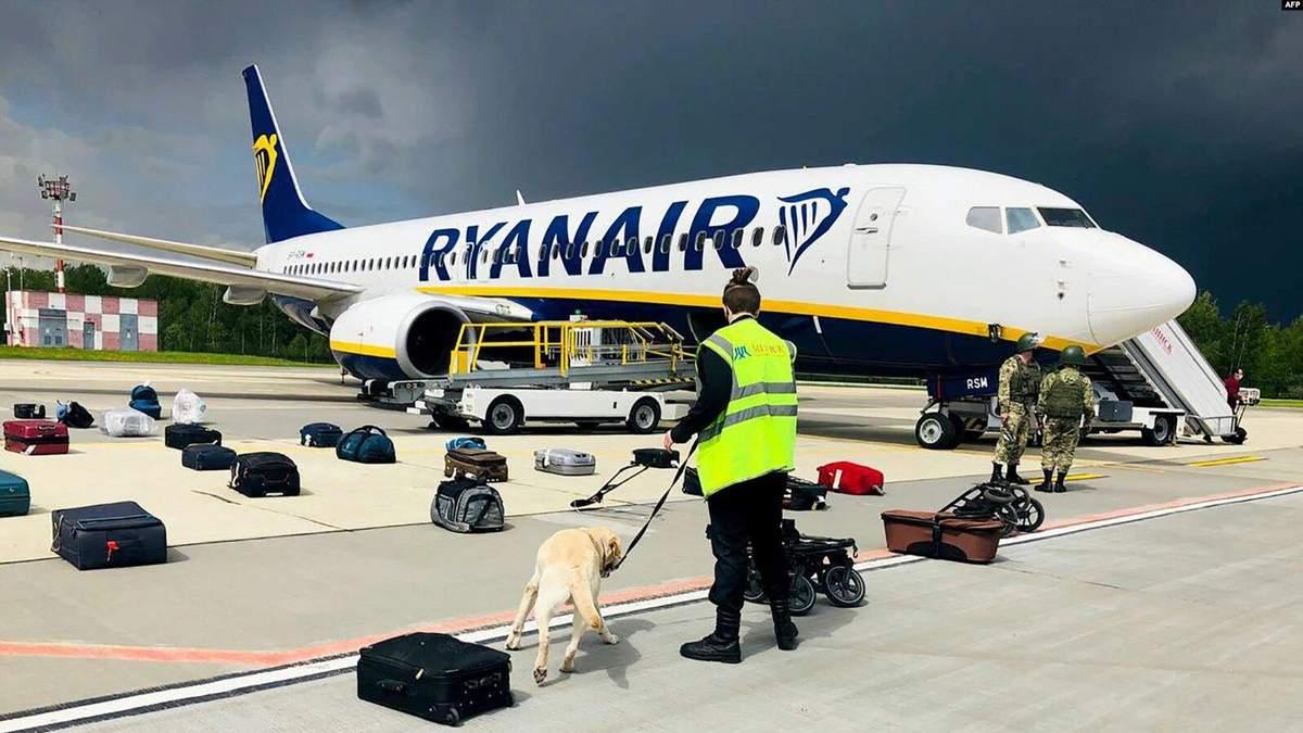 Розмова диспетчера з пілотом Ryanair перед посадкою у Мінську