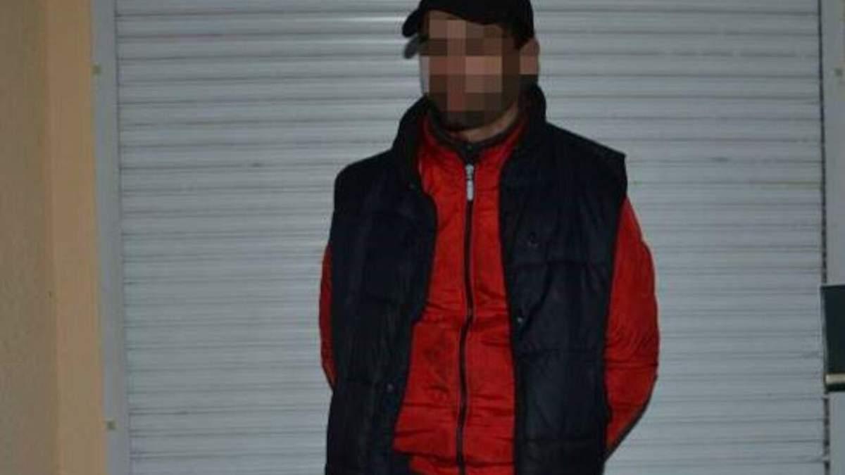 Несколько ударов ножом без причины: в Дрогобыче 27-летнего мужчину будут судить за убийство - фото