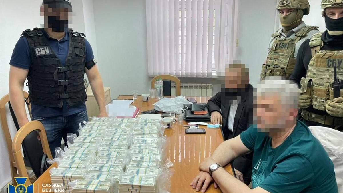 Правоохоронці викрили злочинну схему з продажу держпосад
