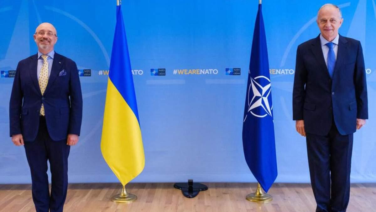 НАТО обеспокоено использованием тяжелого вооружения боевиками