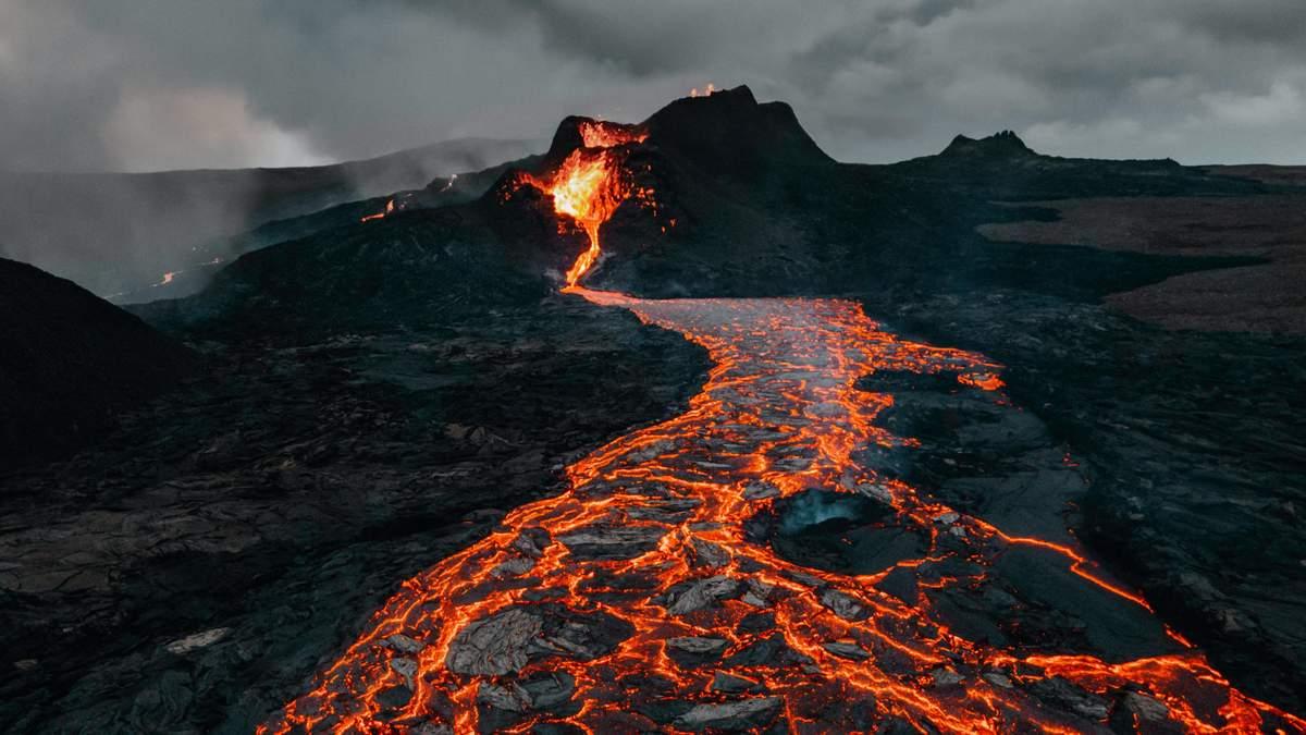 У Конго розпочалося виверження ще одного вулкана: моторошне відео