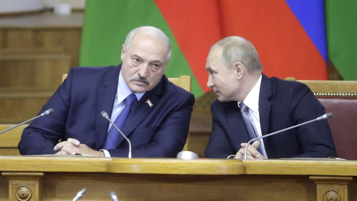 Як Лукашенко з Путіним обіймалися після скандалу з літаком у Білорусі