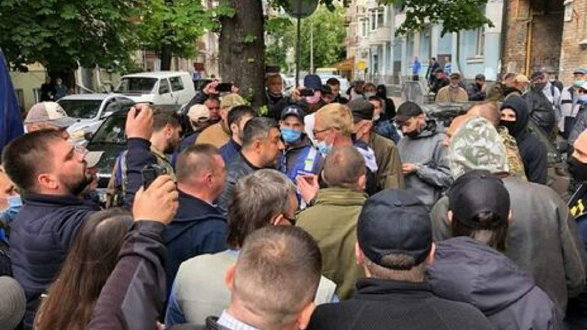 """Активисты потребовали от """"Свободы"""" исключить из партии Мирошниченко"""