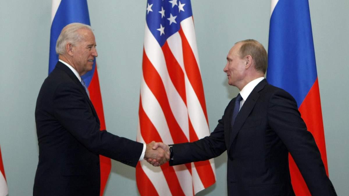 Тема України може порушуватись, – Кремль про зустріч Путіна та Байдена