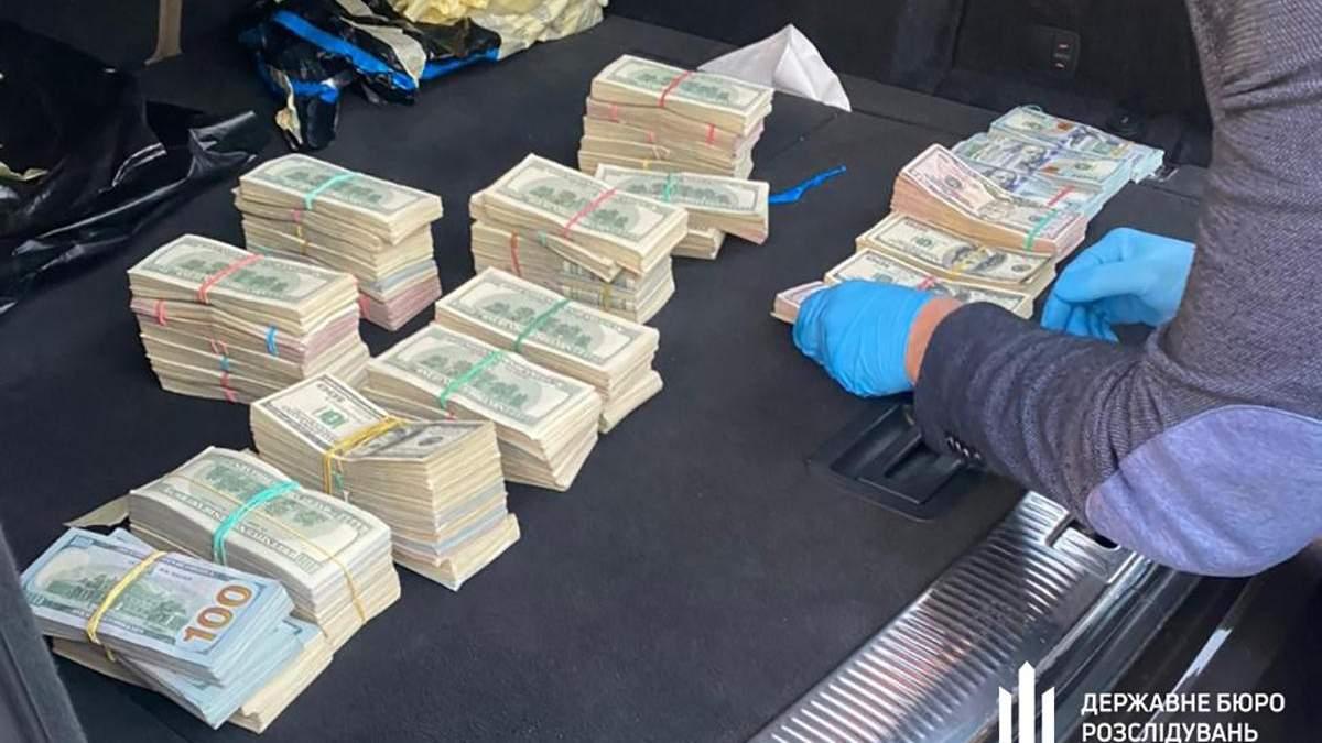 У начальника поста на волынской таможни нашли 700 тисяч долларов