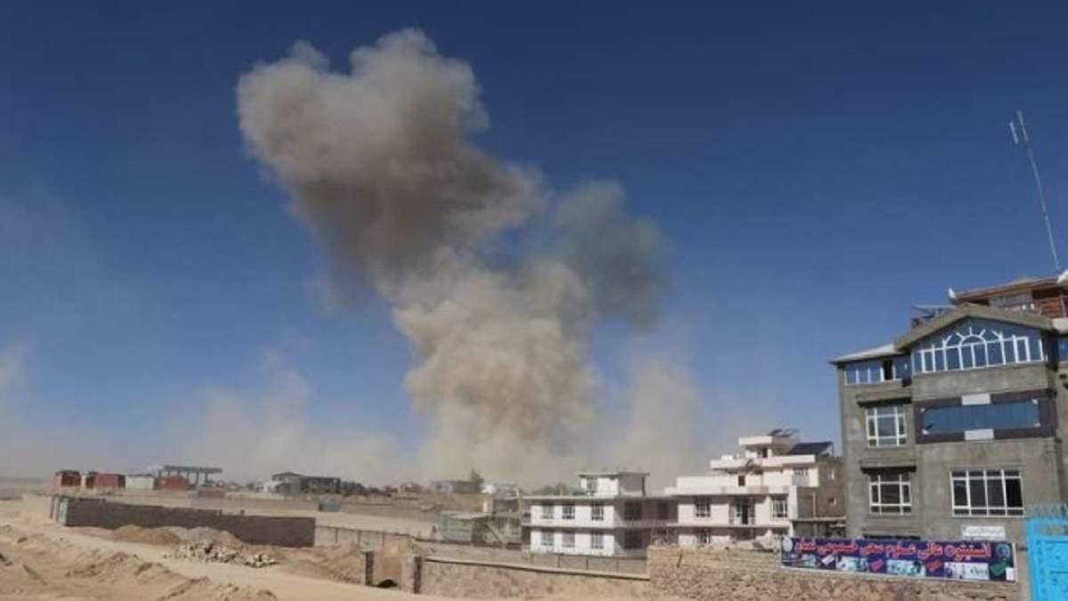 В Афганістані підірвалося авто: загинули щонайменше 10 людей