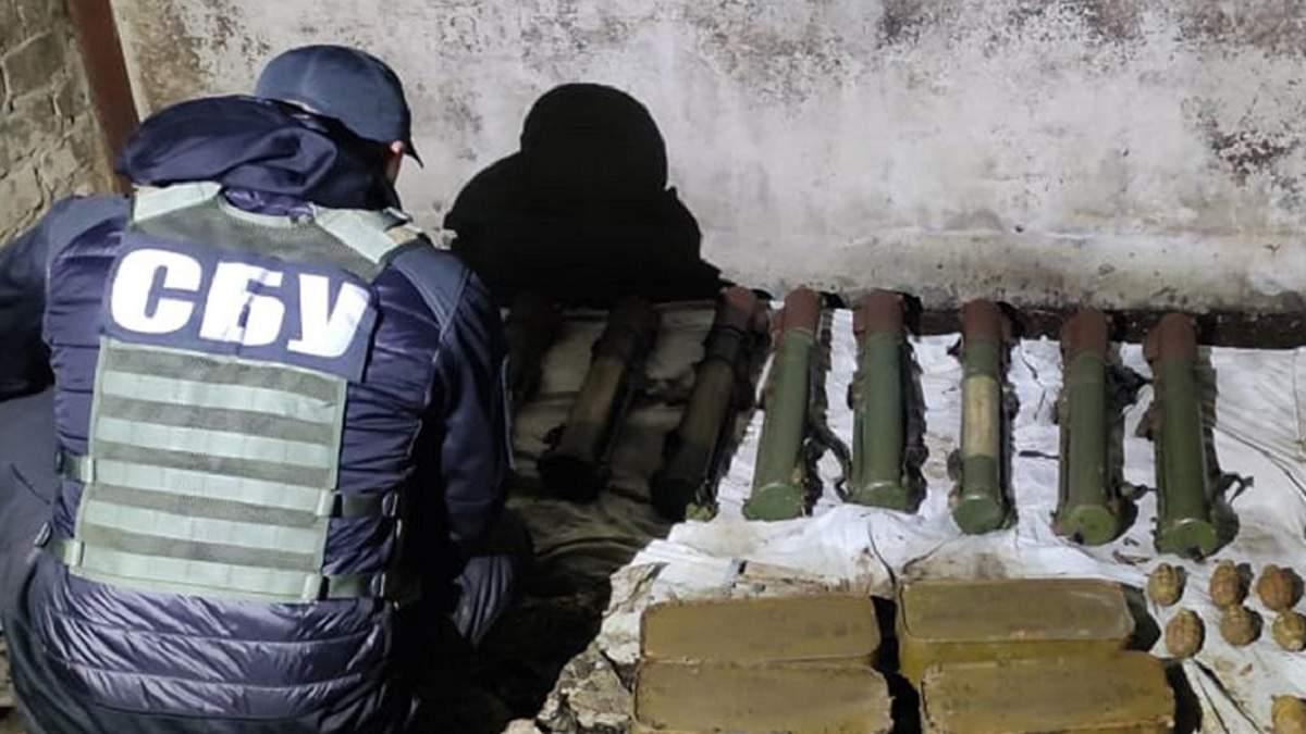 СБУ ліквідувала на Донеччині схрон зі зброєю бойовиків Гіркіна