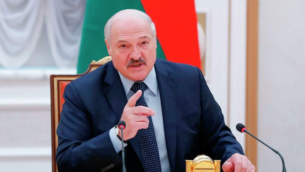 Лукашенко запровадив у Білорусі День народної єдності