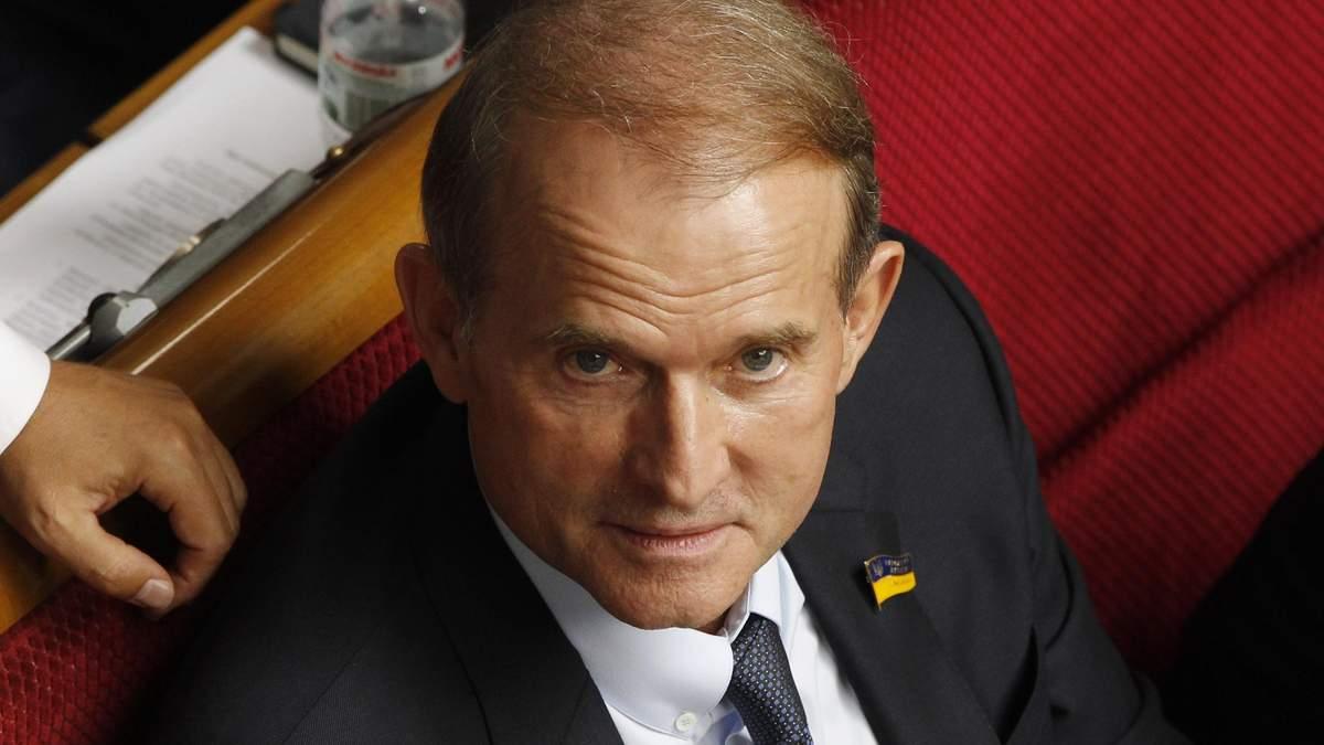 Медведчук радовался срыву обмена пленными, - журналист Bihus.Info