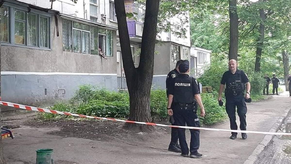 В Харькове мужчина с гранатой гулял по улице и угрожал взорвать ее