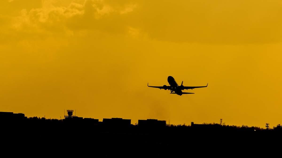 Японія закрила небо для білоруських літаків