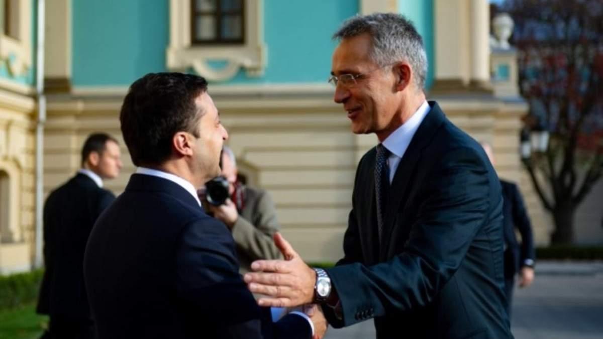 Зеленський поговорив зі Столтенбергом: про саміт НАТО та агресію Росії